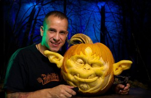 pumpkin-carving-by-ray-villafane-studios-12
